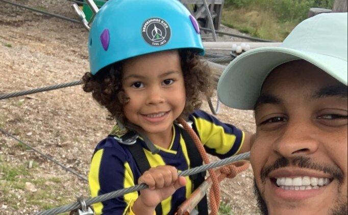 Joshua King, oğluna Fenerbahçe forması giydirdi!