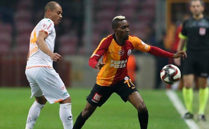 Galatasaray'da taşlar yerinden oynuyor; Onyekuru