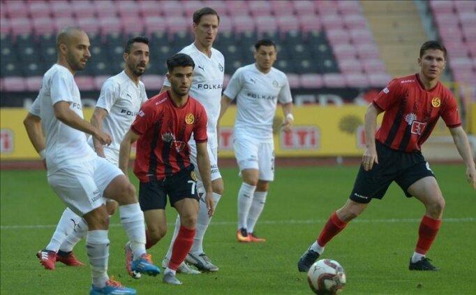 Küme düşmesi kesinleşesen Eskişehirspor'da sahne gençlerin