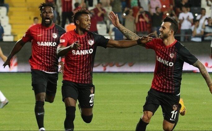 Gazişehir'in rakibi 10 maçtır yenilmeyen Antalyaspor