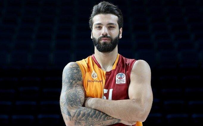 Galatasaraylı basketbolcu Göksenin Köksal baba oldu