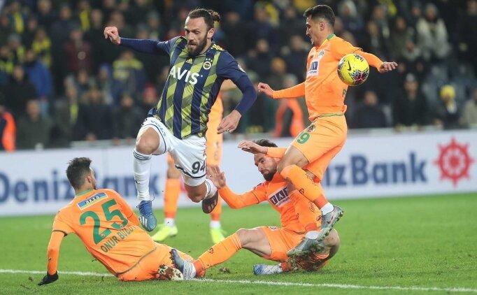 Fenerbahçe'nin itiraz ettiği pozisyonda o an; Düdük ağza gidiyor