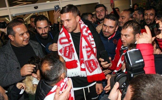 Lukas Podolski resmen Antalyaspor'da