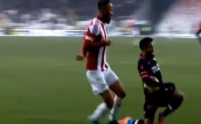 Sivasspor - Başakşehir maçında tartışmalı pozisyon