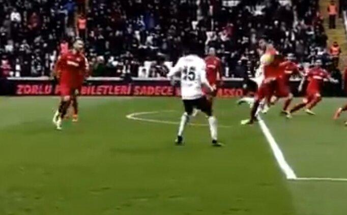 Beşiktaş - Gaziantep FK maçında konuşulan penaltı pozisyonu