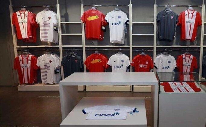 Süper Lig ekiplerinin formalarının Fenerium'da satışı başladı