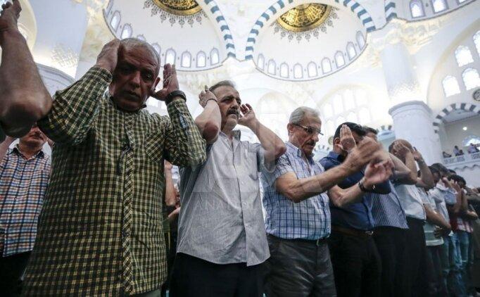 Ramazan Bayram Namazı evde nasıl kılınır? Maddeler halinde anlatım