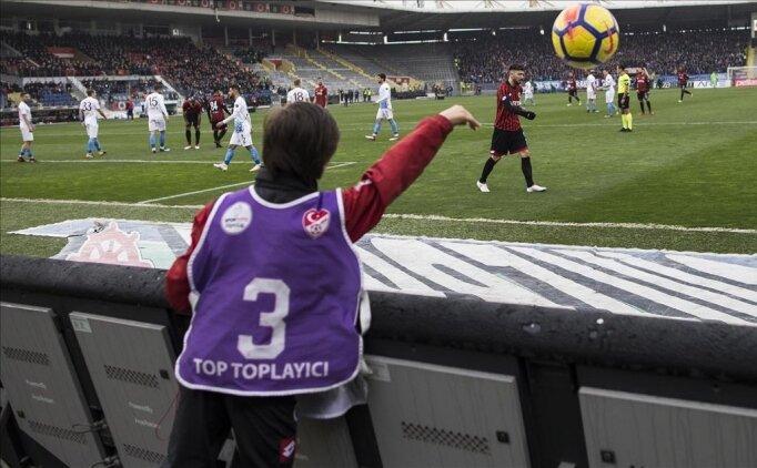 Türk futbolunun geleceği tehlikede: Bir nesil kayboluyor!