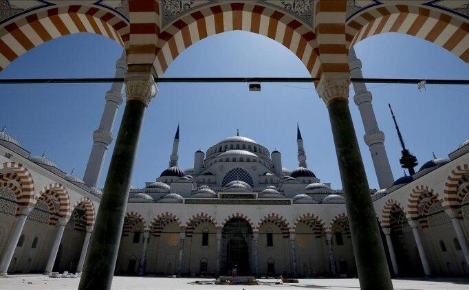 Hangi camiler açılacak (Cuma namazı kılınacak camiler belli oldu)