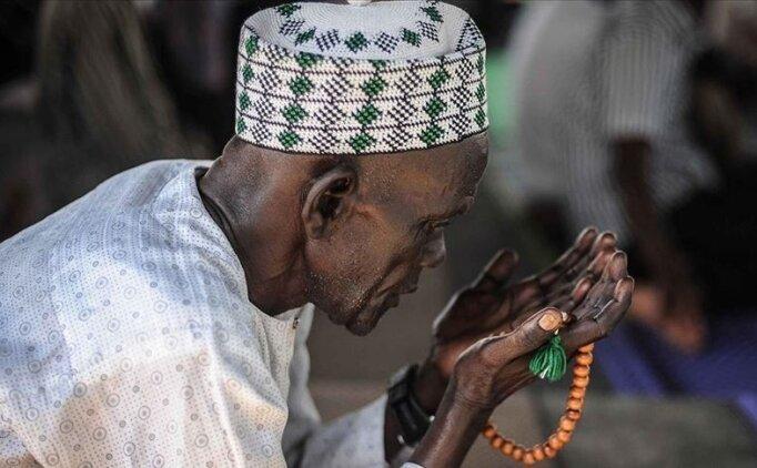 Nijerya'da bayram namazı evde kılınacak