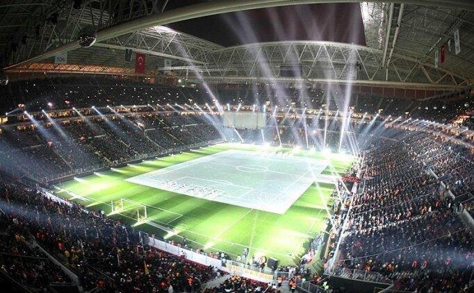 Galatasaray'da locada maç izlemek 5 bin lira!