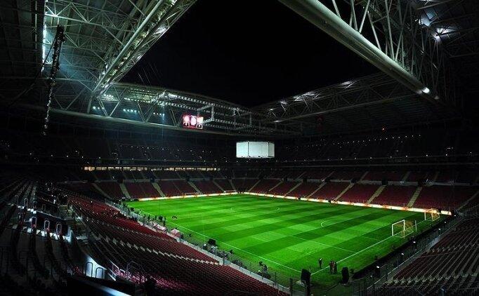 Galatasaray taraftarı 6 ay sonra geliyor! 7 kişilik loca 24.500 lira