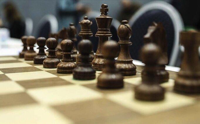 Satranç Federasyonu Başkanı Tulay, milli takım sporcularıyla görüştü