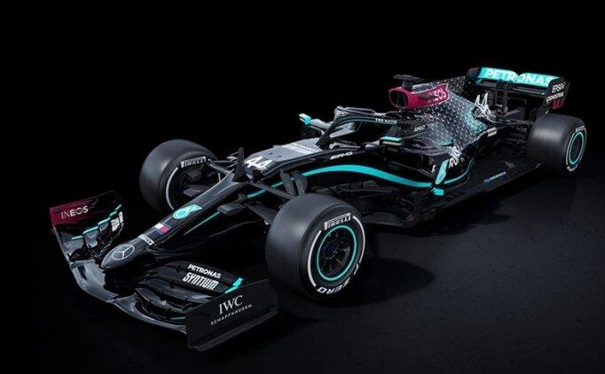 Mercedes, ırkçılığa karşı siyah araçla yarışacak!