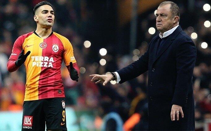 Galatasaray'da gelen, gideni arattı