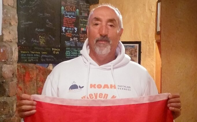 59 yaşında Bristol Kanalı'nı geçen yüzücü Alsaran, 'yılın performansı' ödülüne aday