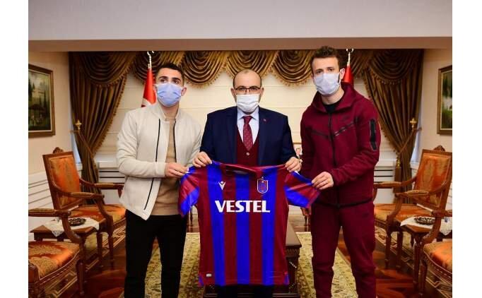 Trabzonsporlu futbolculardan özel ziyaret