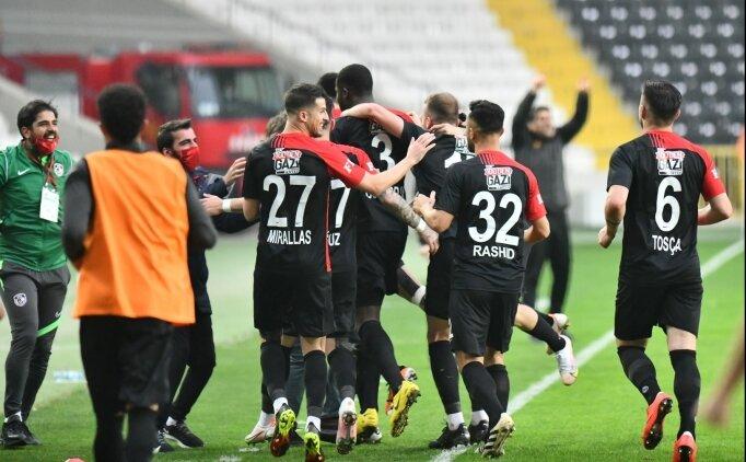 Gaziantep'te 2'si futbolcu 3 kişinin Kovid-19 testi pozitif