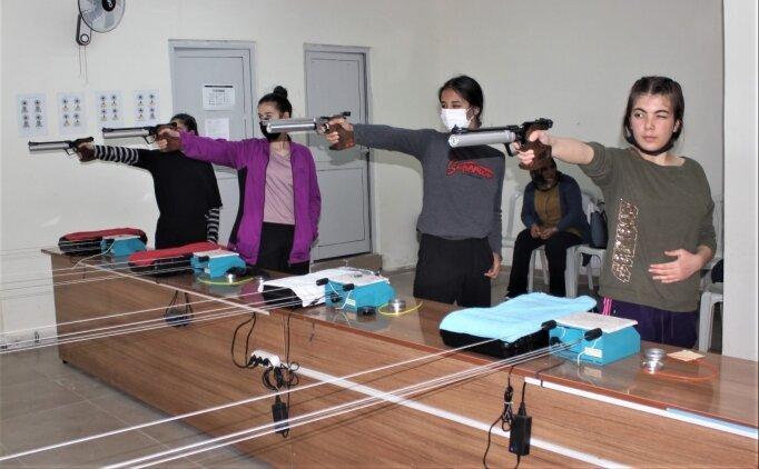 Attıklarını 12'den vuran Osmaniyeli sporcular, hedefe milli takım ve olimpiyatları koydu