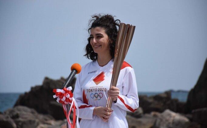 Tokyo Olimpiyatları meşalesini Türk kızı Durna Özkaya taşıdı