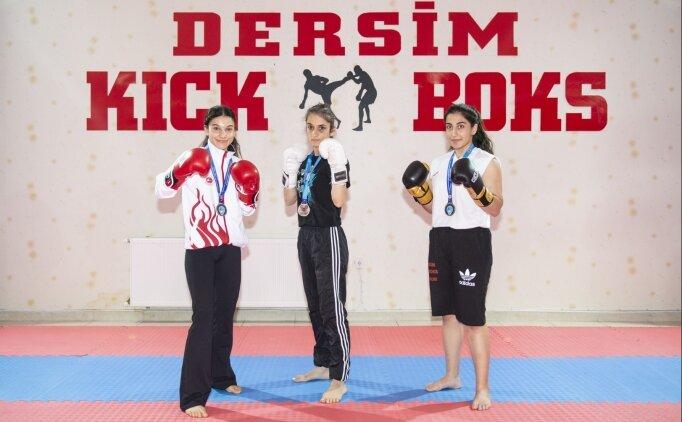 'Kick boksun kardelenleri' gözünü dünya şampiyonluğuna çevirdi