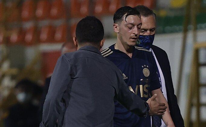 Şansal Büyüka: 'Mesut Özil yedek bile olamaz'