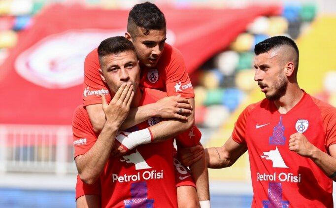 TFF 1. Lig'de Tuzlaspor'u yenen Altınordu, play-off şansını son haftaya taşıdı