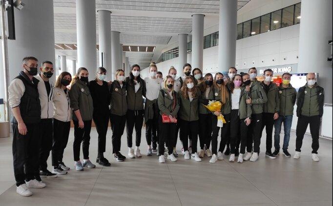 VakıfBank Kadın Voleybol Takımı, yurda döndü