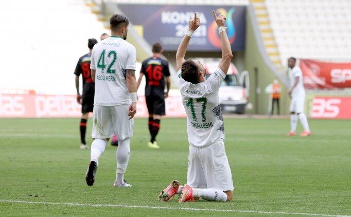 Konyaspor farka koştu, Süper Lig'e tutundu
