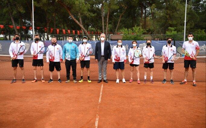 İşitme Engelliler Tenis Milli Takımı, Avrupa Şampiyonası hazırlıklarını Antalya'da sürdürüyor
