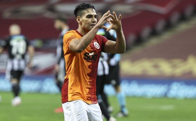 Galatasaray, Beşiktaş'ı devirdi, zirve alev aldı!