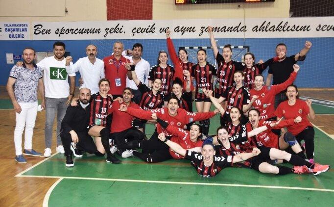 Kastamonu Belediyespor Kadın Hentbol Takımı'nda iki ayrılık