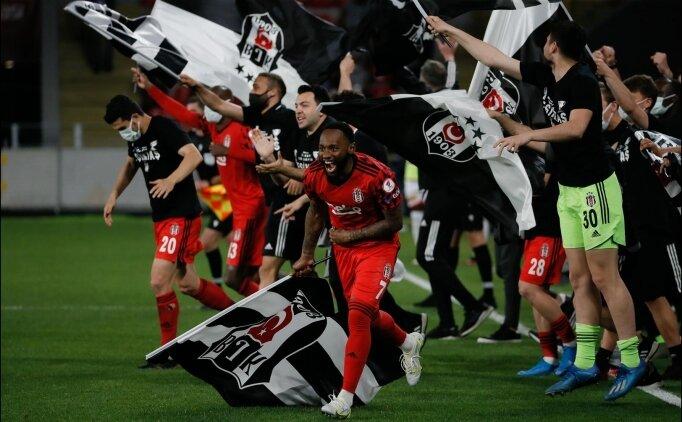 Beşiktaş, 3. kez 'duble' yaptı!