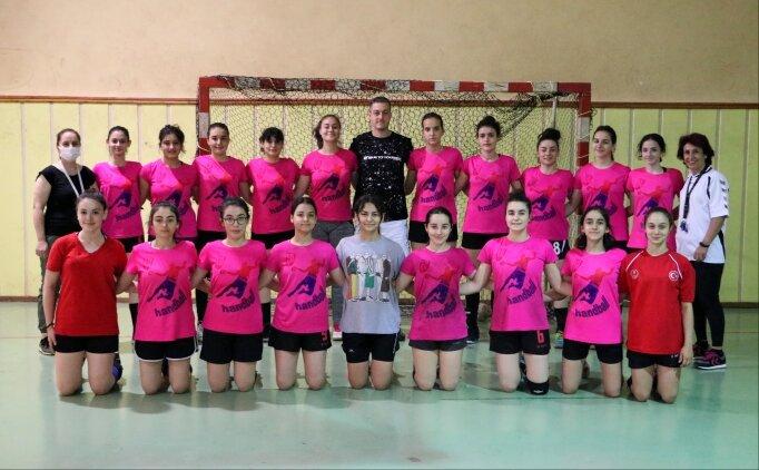 Kız çocuklarının spor yapması için kurulan hentbol takımı, 1. Lig'e çıkmak için mücadele edecek