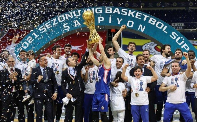 Anadolu Efes şampiyonluğa ulaştı