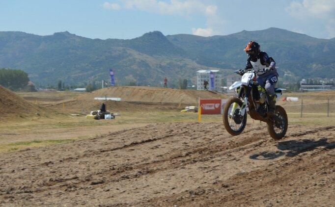 Afyonkarahisar'daki motokros şampiyonaları antrenman turlarıyla başladı