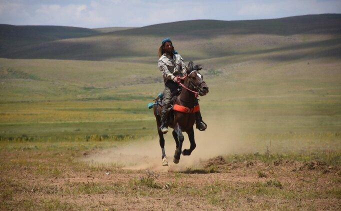 Bingöl'de terörden temizlenen Şerafettin Yaylası'nda at yarışları yapıldı