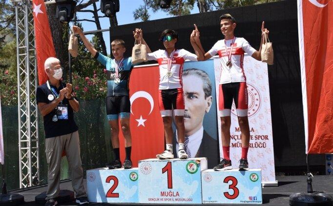 15 Temmuz Şehitlerini Anma Ulusal Bisiklet Yol Yarışı, Muğla'da yapıldı