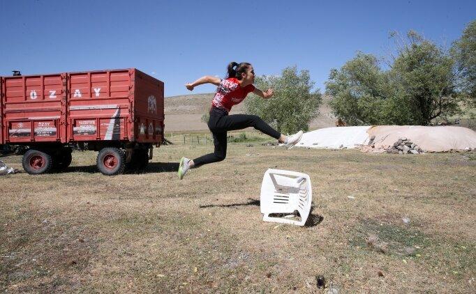 Muşlu milli atletler, antrenmanlarını mahallelerinde de sürdürüyor