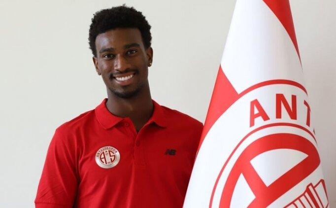 Antalyaspor, ABD'li oyuncu ile imzaladı