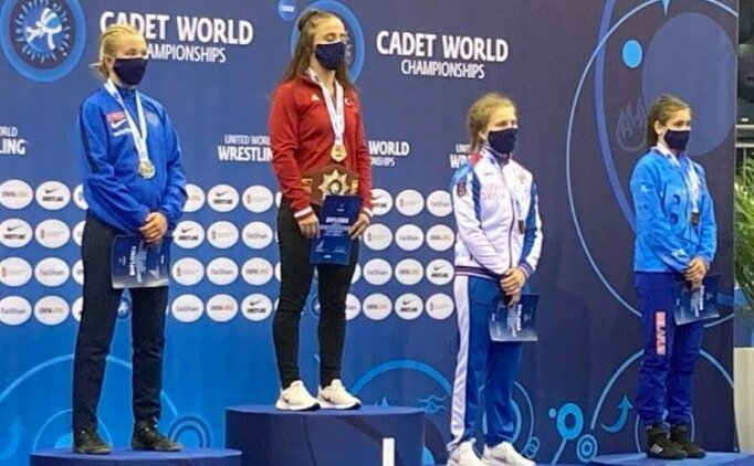Selvi İlyasoğlu dünya şampiyonu!
