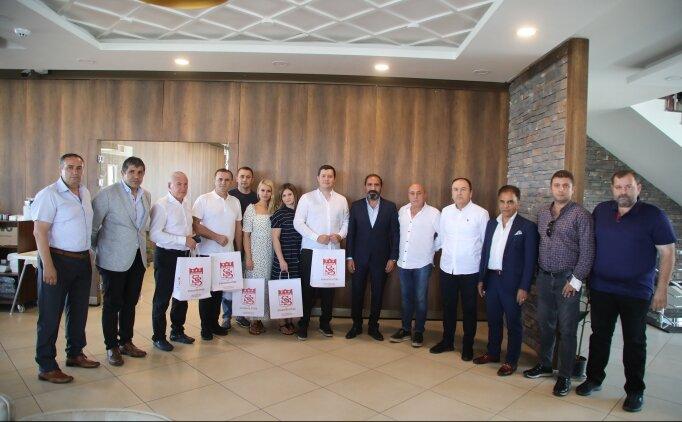 Sivasspor ve Petrocub yöneticileri yemekte bir araya geldi