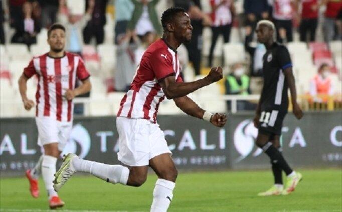 Sivasspor Leke James'in sakatlandığını açıkladı