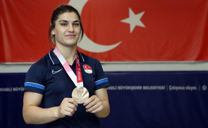 Zeynep Çelik, Tokyo'da bronz madalya kazanmanın 'buruk' sevincini yaşıyor