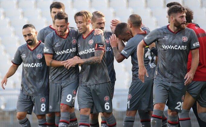 Süper Lig'de cumartesi günü 17:00 seansında iki maç oynandı