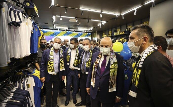 Ankaragücü'nün başkentte AVM'lerdeki ilk lisanslı ürün mağazası açıldı