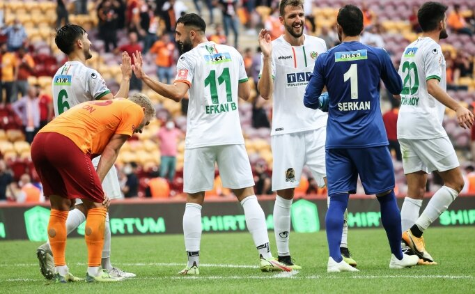 Galatasaray, Alanyaspor'a karşı evinde galibiyeti unuttu
