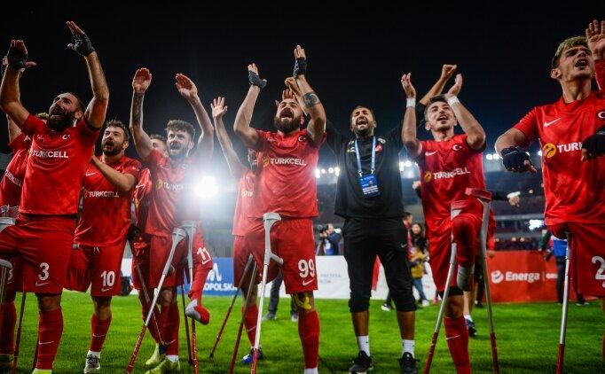 Şampiyon Ampute Futbol Milli Takımı'na coşkulu karşılama