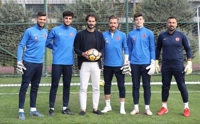 Hamit Altıntop'tan İşitme Engelliler Milli Futbol Takımı'na destek