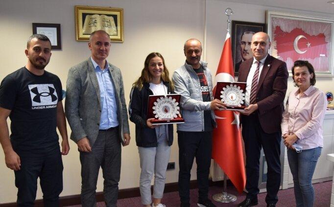 Buse Naz Çakıroğlu: 'Altın için gecemi gündüzüme katacağım'